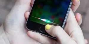 Подрядчики Apple слушали по 1000 чужих запросов к Siri в день